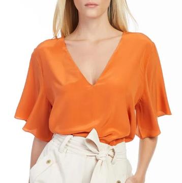 Blusa de seda com manga ampla e decote em v lisa